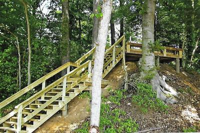 Hillside Stairs to Pier